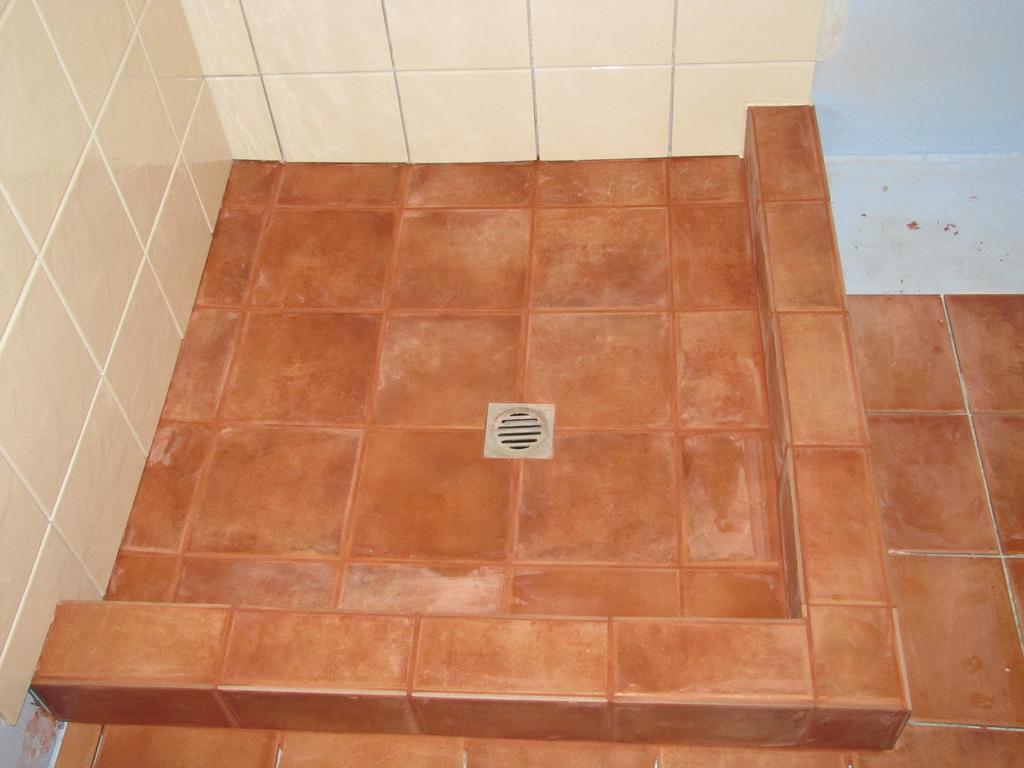 Sådan får du et flottere badeværelse med fuge